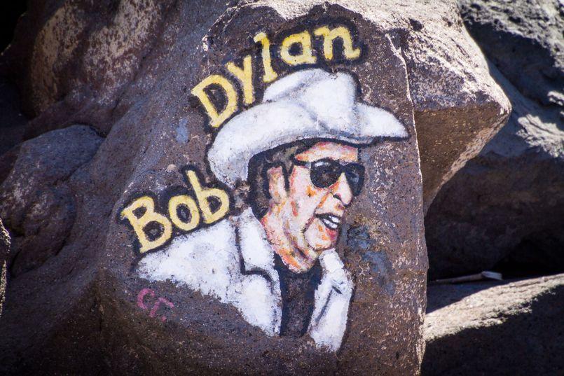 Bob Dylan – poeta, muzyk, noblista