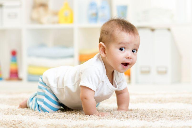 Zabawki dla dziecka do 1. roku życia. Czym chętnie bawią się niemowlęta?