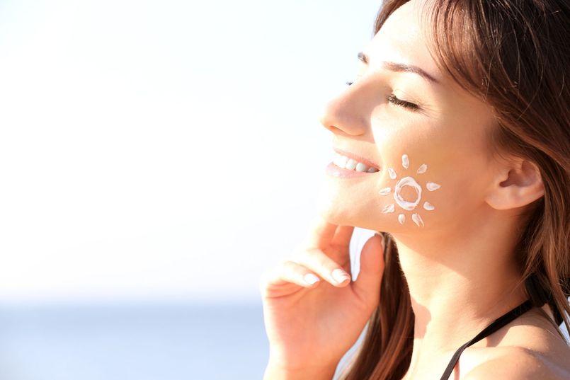 Krem z filtrem – niezbędna ochrona i pielęgnacja cery